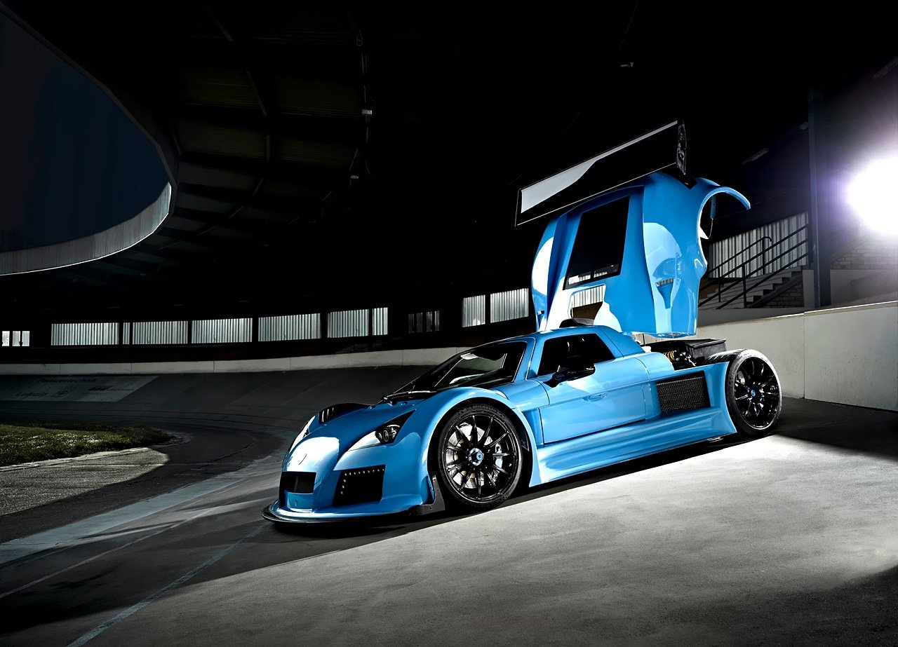 Gumpert Apollo S 2013 www.autosvit.net 6